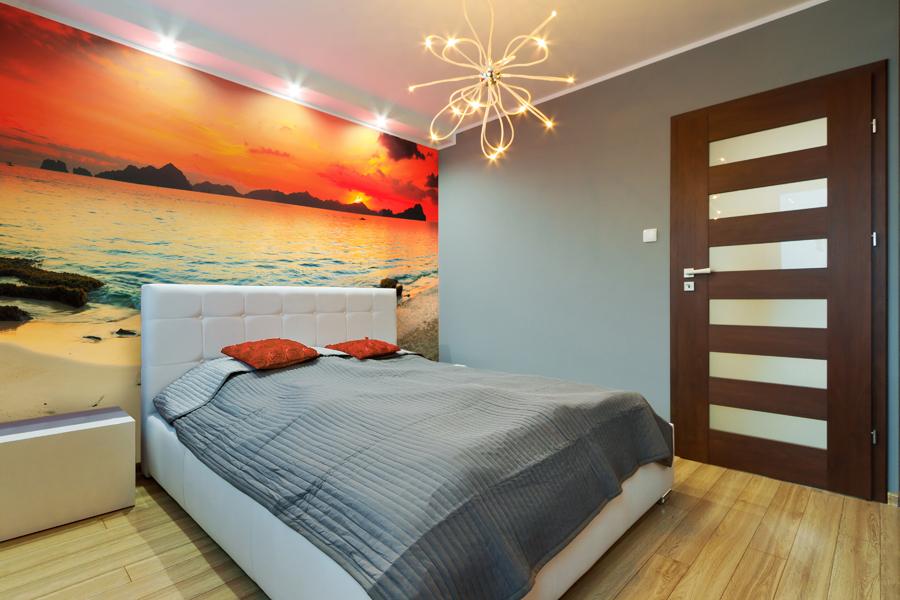 Sypialnia o zachodzie słońca
